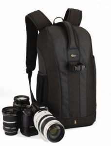 """Als """"unverdächtiger"""" Backpacker-Rucksack präsentiert sich der Lowepro Flipside 300"""