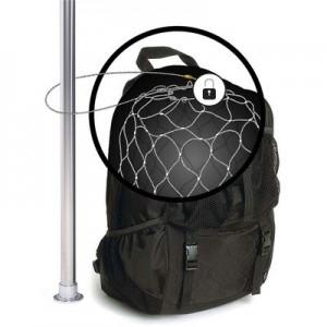 Ein Stahlgitternetz schützt die Packsafe-Tasche davor, dass Diebe die Außenhaut mit einem Taschenmesser durchtrennen Foto: Packsafe