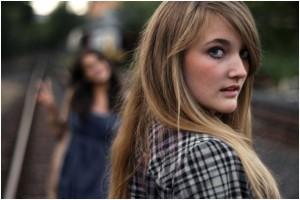 Bei Porträts ist ein unscharfer Hintergrund meist wünschenswert, um das Hauptaugenmerk auf das Model zu richten Foto: JoeEsco / photocase.com