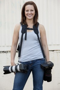 Wer mit zwei Kameras unterwegs ist, findet mit dem Blackrapid Double (DR1) eine passende Gurtlösung Foto: Blackrapid