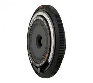Das wohl schmalste Wechselobjektiv der Welt: das Body Cap Lens 15 mm Foto: Olympus