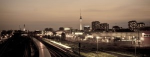 Lange Belichtungszeiten erzeugen Fotos mit Bewegungsunschärfe - und so spektakulär kann dann das Ergebnis aussehen Foto: Jonathan Göpfert  / pixelio.de