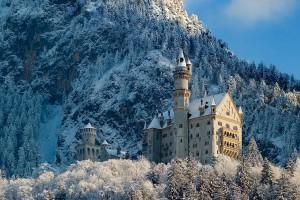 Das wohl berühmteste Schloss der Welt, Schloss Neuschwanstein, macht auch im Winter eine tolle Figur Foto: Gerald B.  / pixelio.de
